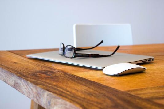 Günstiges Lektorat und Korrektorat für Studenten, Firmen und Privatpersonen